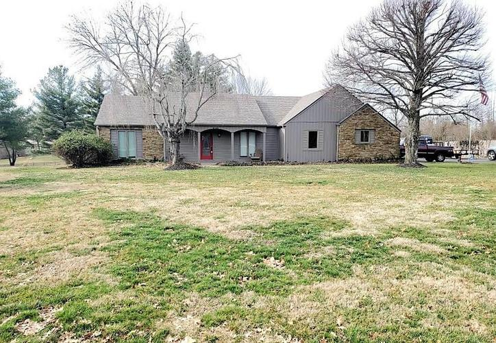 2145 W Brownstown Road North Vernon, IN 47265 | MLS 21693586