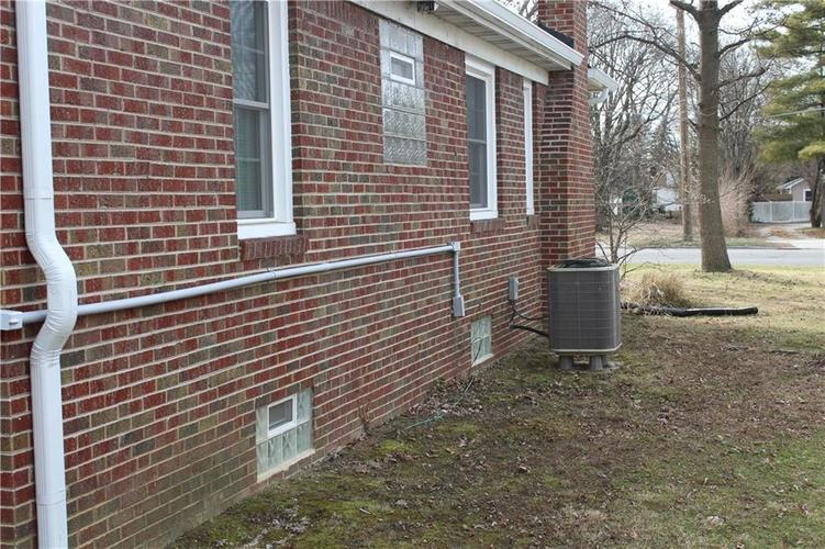 1413 N Emerson Avenue Indianapolis, IN 46219 | MLS 21693716 | photo 18