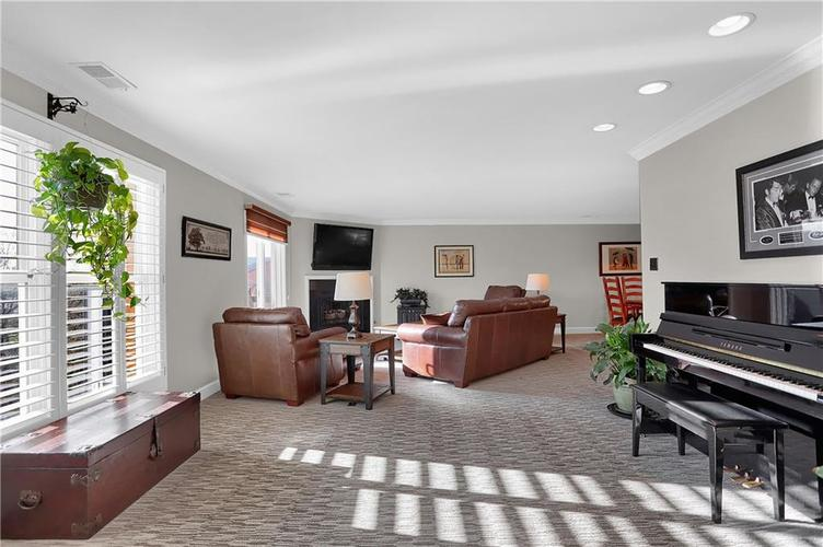8650 Jaffa Court West Drive, Unit #33 Drive #33 Indianapolis, IN 46260   MLS 21693747   photo 10