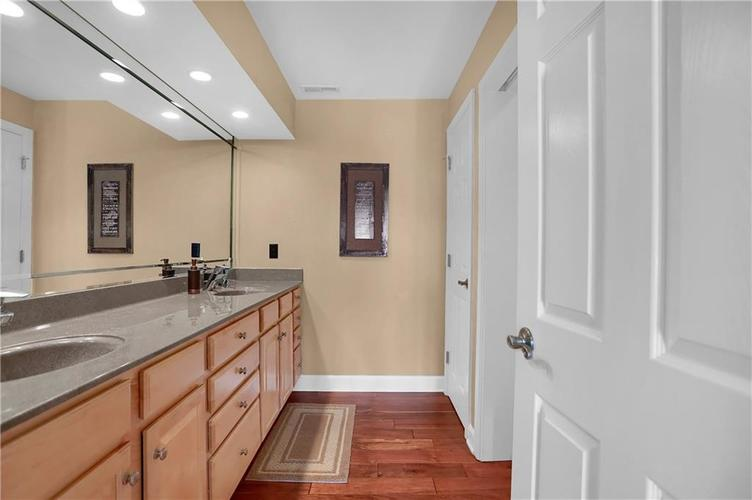 8650 Jaffa Court West Drive, Unit #33 Drive #33 Indianapolis, IN 46260   MLS 21693747   photo 19