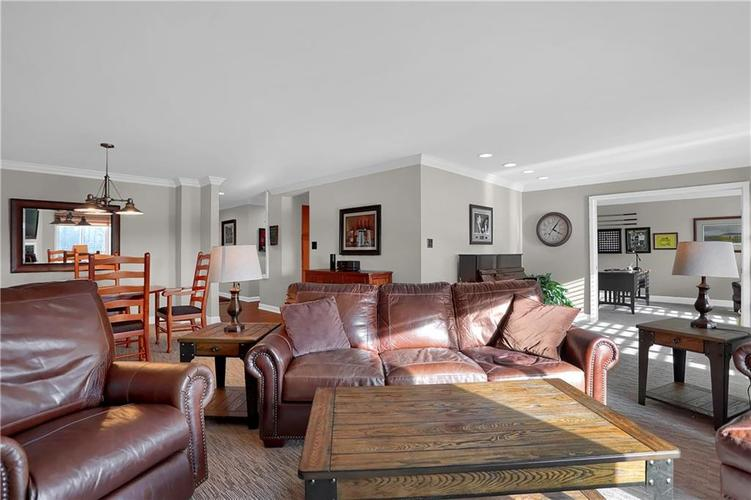 8650 Jaffa Court West Drive, Unit #33 Drive #33 Indianapolis, IN 46260   MLS 21693747   photo 6