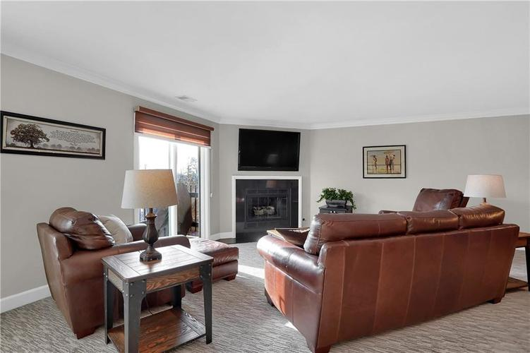 8650 Jaffa Court West Drive, Unit #33 Drive #33 Indianapolis, IN 46260   MLS 21693747   photo 7