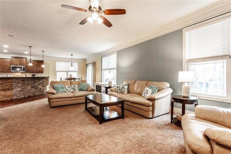 5728 Autumn Breeze Lane Indianapolis, IN 46237 | MLS 21693820 | photo 16