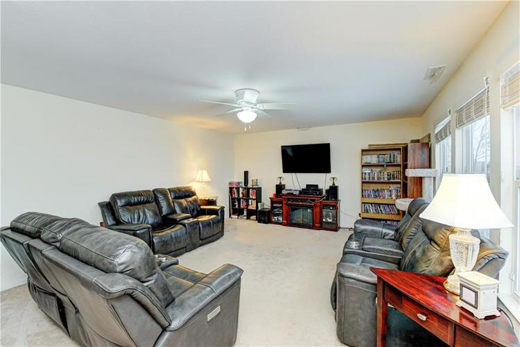 2451 Sandi Drive Avon, IN 46123 | MLS 21694003 | photo 14