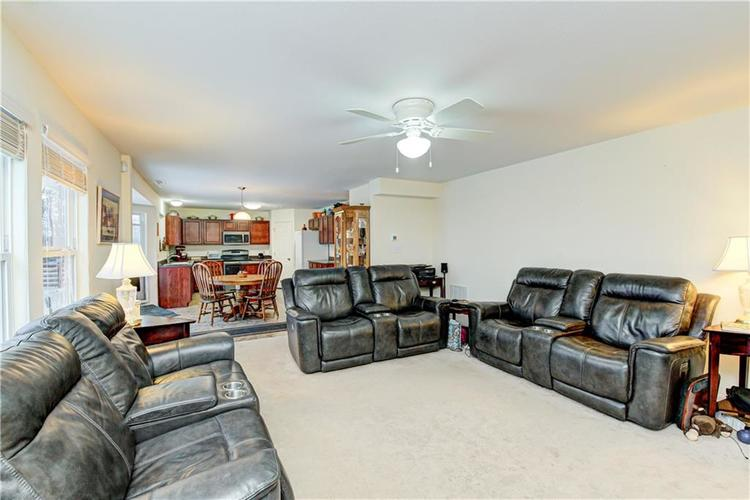 2451 Sandi Drive Avon, IN 46123 | MLS 21694003 | photo 16