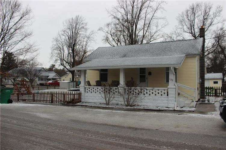 122 W Nebraska Street Ladoga IN 47954 | MLS 21694216 | photo 1