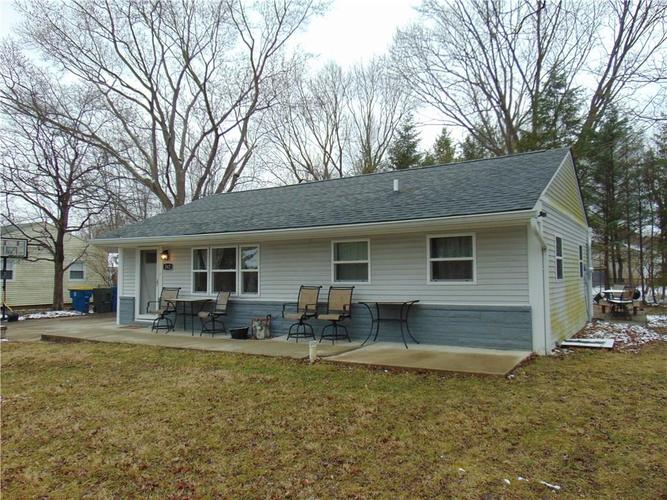 562 Arthur Drive Indianapolis IN 46280 | MLS 21694225 | photo 1