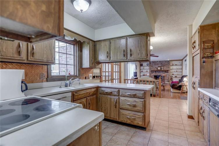 120 S PARK FOREST Drive Franklin IN 46131 | MLS 21694303 | photo 11