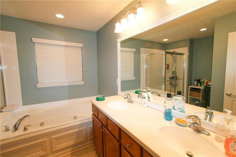 13973 Avalon East Drive Fishers, IN 46037   MLS 21694326   photo 15