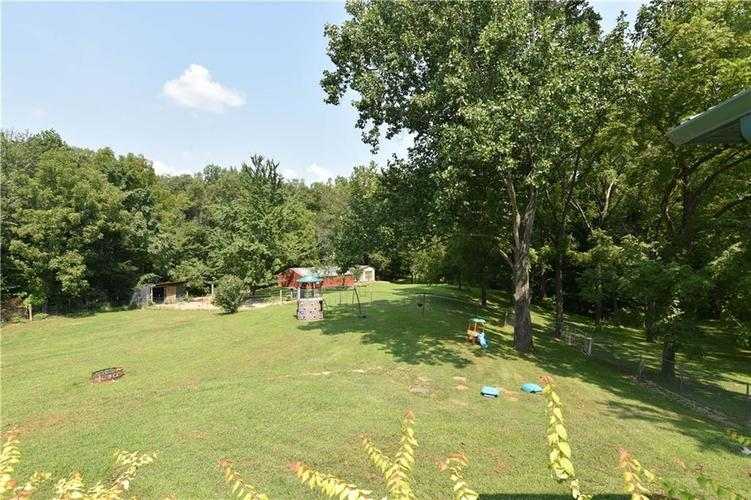 6290 W 930 S Columbus, IN 47201 | MLS 21694354 | photo 18