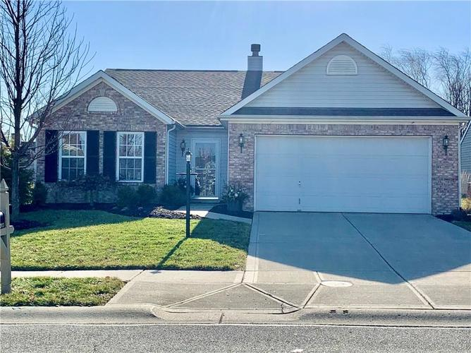 12203 Carriage Stone Dr Fishers IN 46037 | MLS 21694666 | photo 1