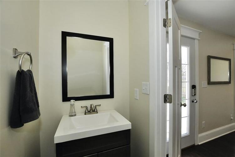 1549 Olive Street Indianapolis IN 46203 | MLS 21694700 | photo 40