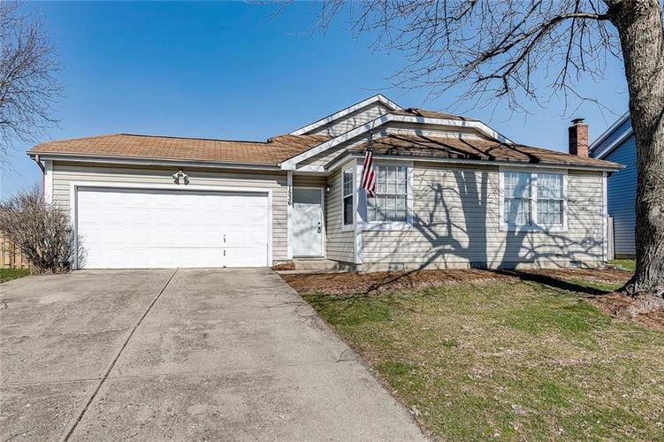 1536 Chase Boulevard Greenwood, IN 46142 | MLS 21694744 | photo 1