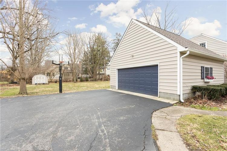 8425 Broadway Street Indianapolis, IN 46240 | MLS 21694786 | photo 23