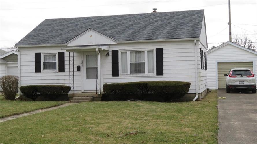 901 Cottage Avenue Crawfordsville IN 47933 | MLS 21694855 | photo 1