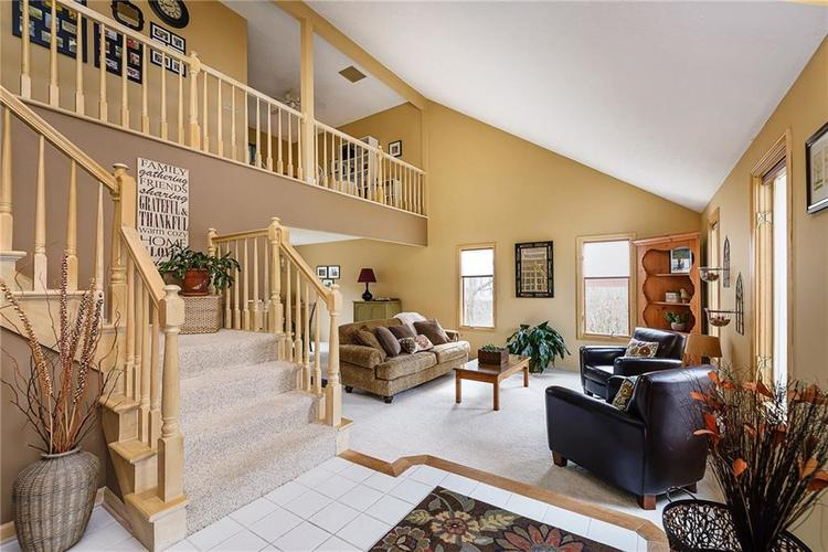 13715 Thistlewood Drive W Carmel, IN 46032   MLS 21694875   photo 3