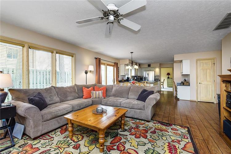 13715 Thistlewood Drive W Carmel, IN 46032   MLS 21694875   photo 9