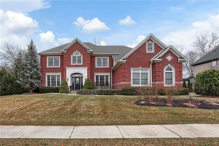 7015 Misty Woods Lane Indianapolis, IN 46237   MLS 21694882   photo 2