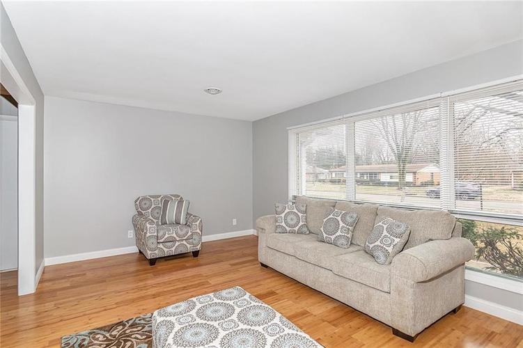 3320 W 62nd Place Indianapolis, IN 46228 | MLS 21694910 | photo 4