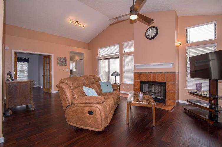 9326 Steeplechase Drive Indianapolis, IN 46250 | MLS 21695056 | photo 4