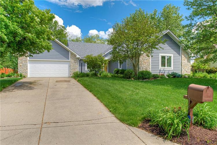 8153 Bay Brook Drive Indianapolis IN 46256 | MLS 21695156 | photo 1
