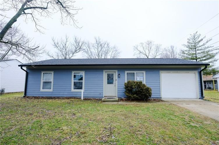 8243 E 41st Place Indianapolis IN 46226   MLS 21695179   photo 1
