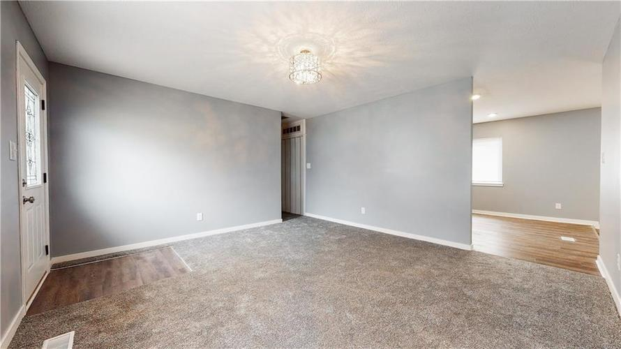 8243 E 41st Place Indianapolis IN 46226   MLS 21695179   photo 12