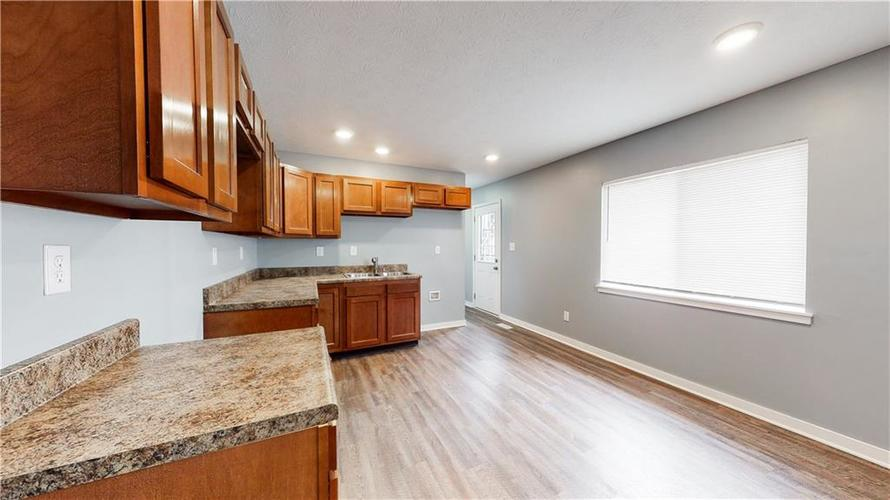8243 E 41st Place Indianapolis IN 46226   MLS 21695179   photo 13
