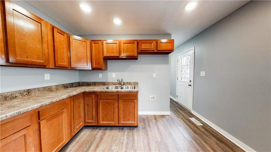 8243 E 41st Place Indianapolis IN 46226   MLS 21695179   photo 15