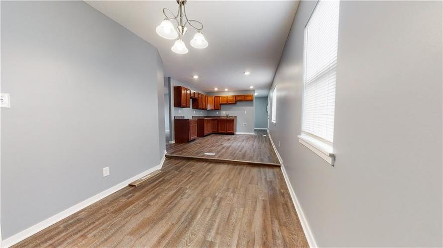 8243 E 41st Place Indianapolis IN 46226   MLS 21695179   photo 19