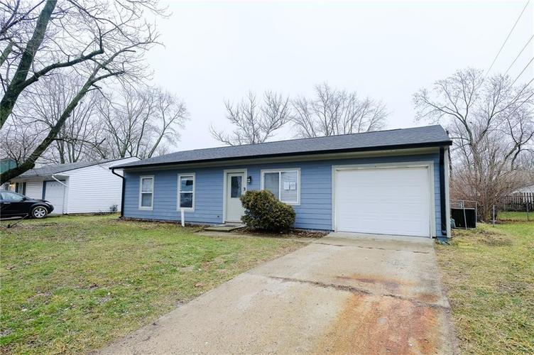 8243 E 41st Place Indianapolis IN 46226   MLS 21695179   photo 2