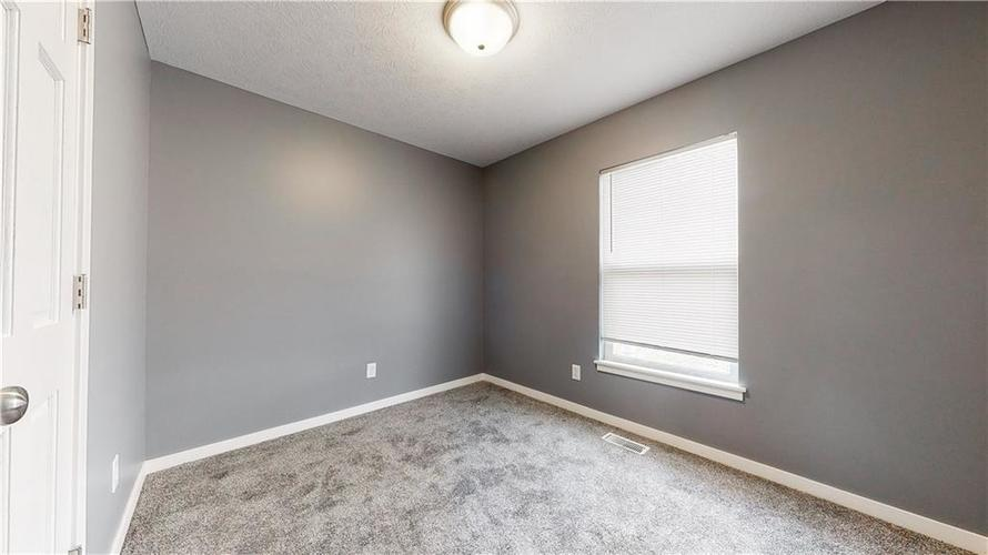 8243 E 41st Place Indianapolis IN 46226   MLS 21695179   photo 21
