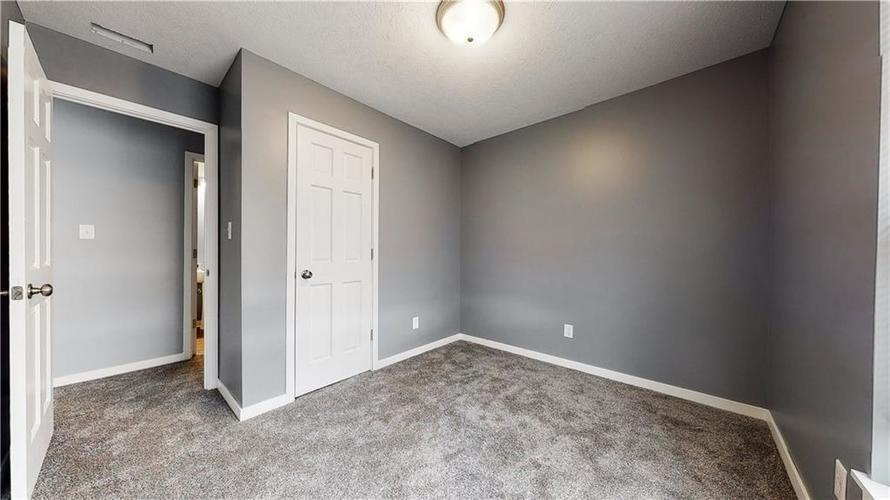 8243 E 41st Place Indianapolis IN 46226   MLS 21695179   photo 22