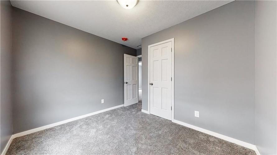8243 E 41st Place Indianapolis IN 46226   MLS 21695179   photo 23