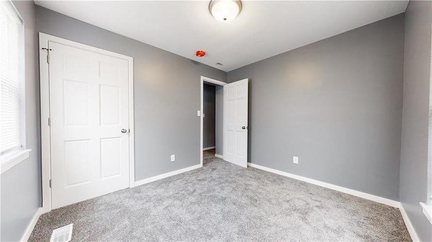 8243 E 41st Place Indianapolis IN 46226   MLS 21695179   photo 27