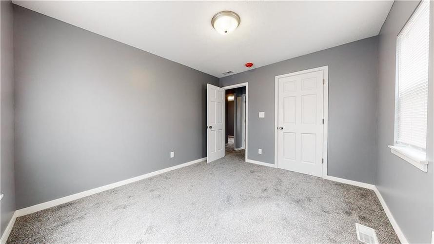8243 E 41st Place Indianapolis IN 46226   MLS 21695179   photo 28