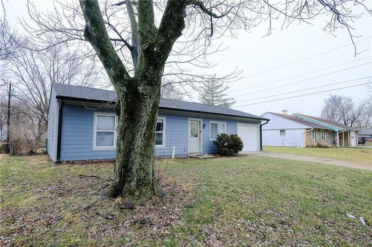 8243 E 41st Place Indianapolis IN 46226   MLS 21695179   photo 3