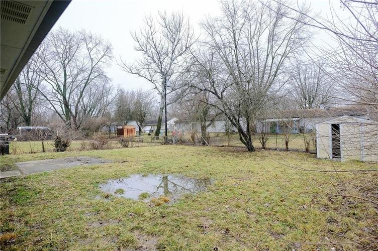8243 E 41st Place Indianapolis IN 46226   MLS 21695179   photo 4
