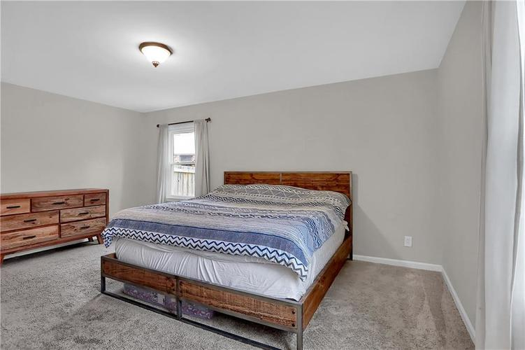 7866 Redcoach Circle Indianapolis, IN 46250 | MLS 21695181 | photo 24