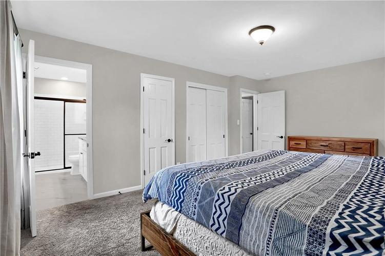 7866 Redcoach Circle Indianapolis, IN 46250 | MLS 21695181 | photo 25
