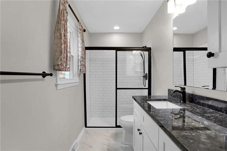 7866 Redcoach Circle Indianapolis, IN 46250 | MLS 21695181 | photo 26