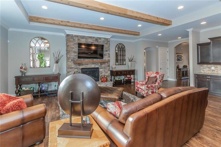 14329 Overbrook Drive Carmel IN 46074 | MLS 21695368 | photo 11