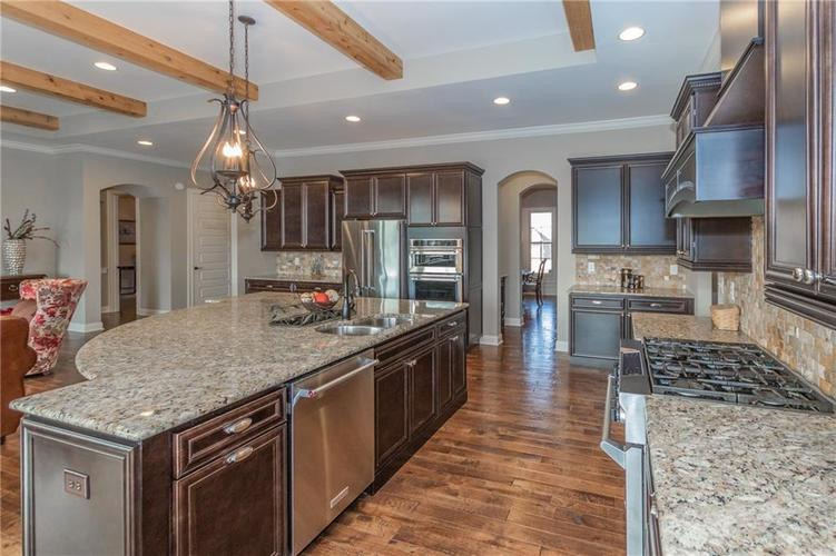 14329 Overbrook Drive Carmel IN 46074 | MLS 21695368 | photo 14