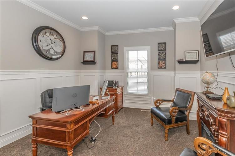 14329 Overbrook Drive Carmel IN 46074 | MLS 21695368 | photo 5