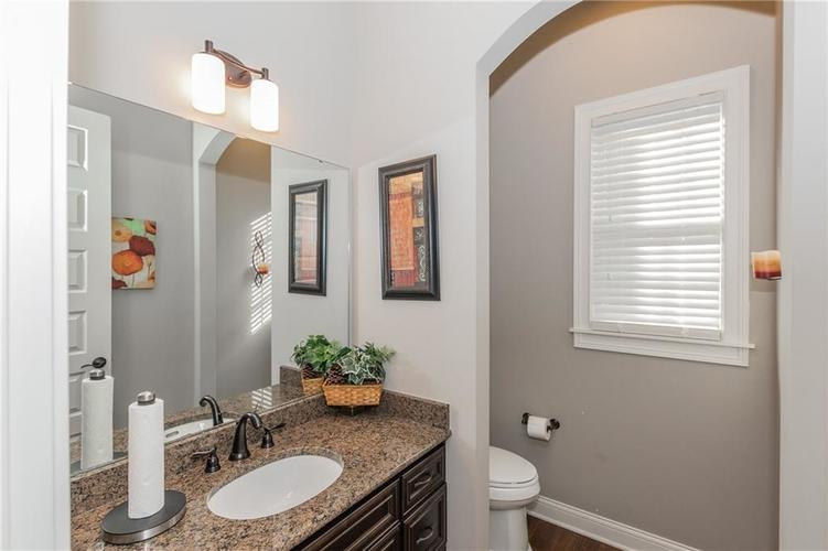 14329 Overbrook Drive Carmel IN 46074 | MLS 21695368 | photo 6