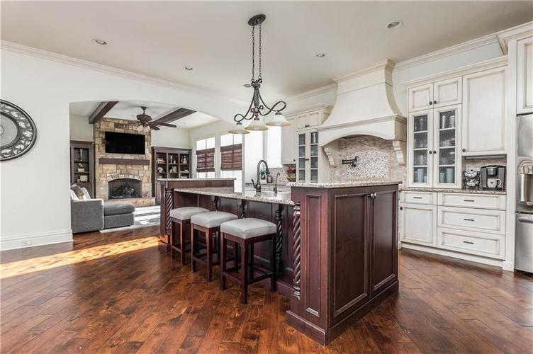 11621 Willow Springs Drive Zionsville, IN 46077   MLS 21695393   photo 12