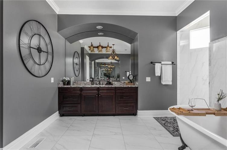 11621 Willow Springs Drive Zionsville, IN 46077   MLS 21695393   photo 22