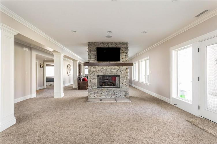 11621 Willow Springs Drive Zionsville, IN 46077   MLS 21695393   photo 34