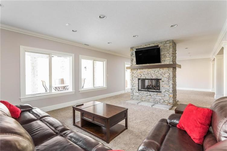 11621 Willow Springs Drive Zionsville, IN 46077   MLS 21695393   photo 35