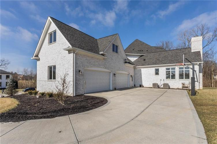 11621 Willow Springs Drive Zionsville, IN 46077   MLS 21695393   photo 44